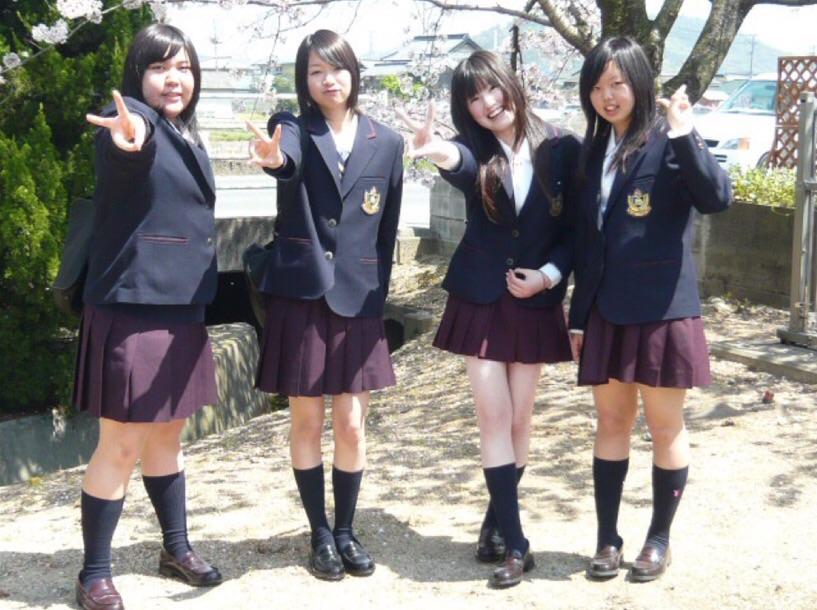 エッチパンストの女子校生がパンチラ盗撮師が連射で逆さ撮りしたパンツコレクション画像